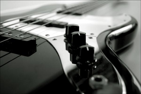 Проблемы при регулировке бас-гитары