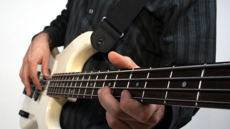 Как купить бас-гитару